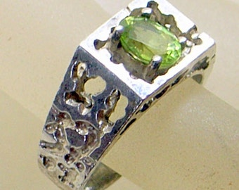 Vintage Brutalist Sterling Peridot Ring - Sterling Brutalist Band - Size 8 - Man or Woman - Green Peridot Ring - Looks Handmade
