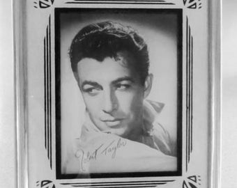Vintage old~time movie star picture art deco frame Robert Taylor 1940-1949s
