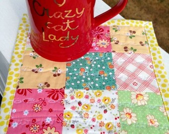 Cute mug rug cheery mug rug cottage decor cottage quilt happy mug mat cheery table mat summery mug rug nine patch quilt mini quilt snack mat