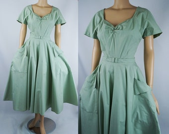 Vintage 1950s Dress Mint Green Cotton Pique Full Skirt Shirtwaist B40 W26