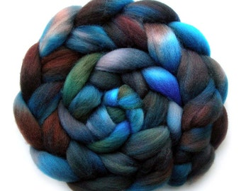 Shetland Roving Handdyed Combed Top - Asheville Blues, 5.2 oz.