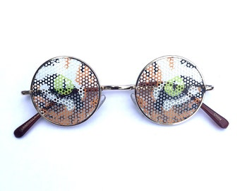 Tiger eyes graphic John lennon hippie style round sunglasses.