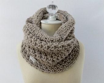 Chunky cowl / #1017 / taupe / wool blend / handmade / knit / crochet / fall winter 2016