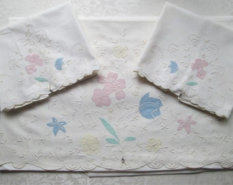 Vintage Madeira Bed Linens Sheet Pillowcase Set Hand Embroidered Pastel Unused Tags MWT Gremio Seal