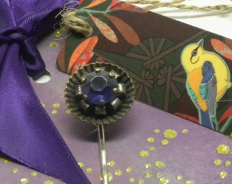 fANCY Vintage Art Deco Purple Amethyst LUCITE Stamped Brass Hair Bobby Pin