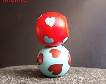 Magdalena Ruiz. MruMru Handmade Lampwork Glass Bead  set.