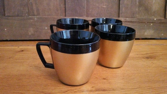 Vintage Westbend Thermo Serve Insulated Gold And Black Coffee