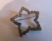 clear gem star brooch