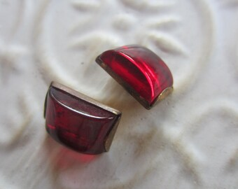 Vintage button- Beautiful, 2 matching small ruby red Cabachon Glass Rhinestone centers, antique bronze metal setting (may24b)
