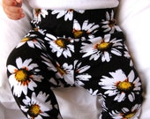 Baby Girl Black and White Daisies Leggings: Etsy kid's fashion toddler boy toddler girl, floral print, sunflower, baby spring, Easter