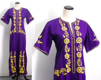 VTG 70's Bold Purple and Yellow Oaxacan Sheath Dress ( Medium ) Hippie Boho Embroidered Floral Mexican Robe Maxi Dress