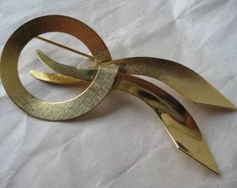 Modern Texture Gold Brooch Vintage Pin Mod