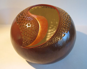 COMMA COMMENT Hard Shell Gourd Bowl in Natural Brown Color with Filigree Cuttouts