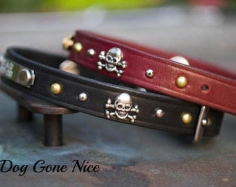 3/4 inch Wide Leather Collar// Leather Dog Collar// Skull and Crossbones Collar// Dog Collar// 3/4 inch Dog Collar//Leather Collar