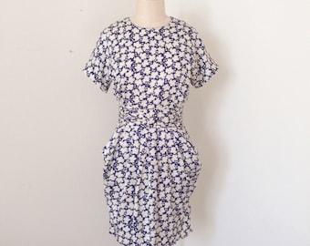 Vintage leaf print dress. S/M