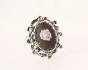 Cameo Statement Ring Vintage Avon Chunky Modernist Costume Jewelry Ring Size 6.5