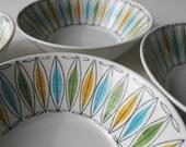 Vintage Arabia Finland Korona Pattern Cereal / Soup Bowls, Scandinavian Modern Home
