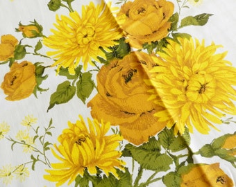 NOS Tablecloth, Yellow Tablecloth, Never Used Tablecloth, Gold Floral Tablecloth, Cottage Tablecloth, Vintage Tablecloth