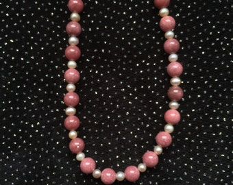 Rhodonite and White Freshwater Pearl Necklace  N50