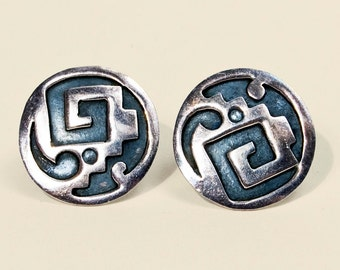 Vintage Taxco Mexican sterling silver screw back earrings