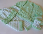 Hand Knitted   Baby Clothing.  Unisex Baby Outfit. Newborn Green Outfit.Christmas Gift. READY TO SHIP