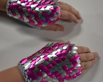 Scalemail Armor Gauntlets in Pink and Silver knitted Dragonhide