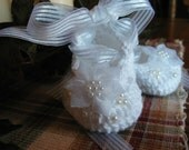 Crochet Flowers and Pearls Fancy Cotton White Sparkle Ballet Slippers Baby Girl 0-6 months