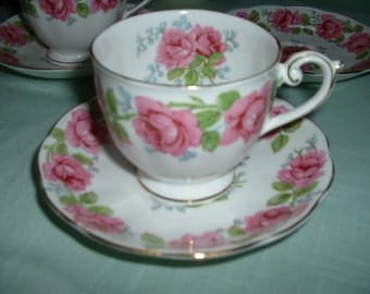 Set if 4 Lady Alexander Rose Queen Ann Fine Bone China England Cup and Saucer SALE