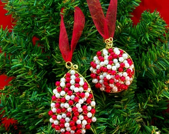 Red and White Christmas Tree Ornament | Beaded Christmas Ornament | Wire and Bead Christmas Tree Ornament | Wire Wrap Christmas Ornament