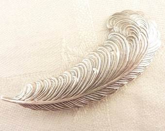 Vintage Detailed Sterling Feather Brooch