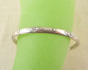 SALE --- Vintage Sterling Mexican Geometric Design Bangle Bracelet