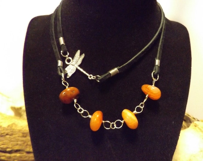 Carnelian and Dragonfly chockerNecklace, Healing Crystal and Stones Jewelry, Healing Jewelry, Dragonfly Necklace, Spiritual Healing Jewelry