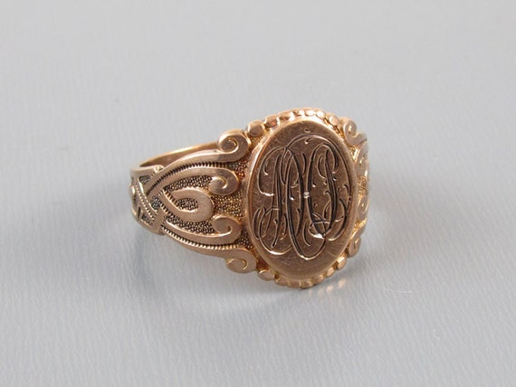 Mans 1917 engraved antique Edwardian Gothic Revival 10k rose gold signet ring, size 10.5