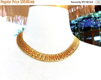 50% OFF Golden Monet Beautiful pattern Vintage Necklace