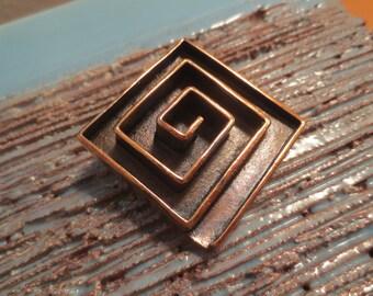 Vintage, Mid-Century, Modern Lisner Copper Labyrinth Brooch