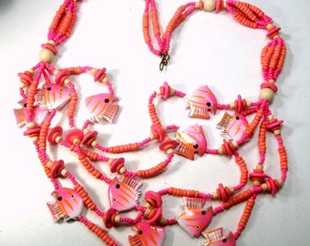 Long PINK Fish Necklace, Wood Painted School of Fish, 1980s, 5 Strand Colorful BOHO Beads, Hot Pink,and  Off White Tropical Fish