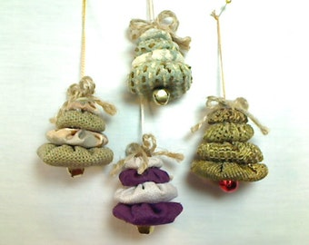 SALE PRICED ~ 50% OFF ||| Small Yo Yo Tree Ornaments | Christmas | Primitive Folk Art | Party Favor | Handmade Ornament | Set/4 | #1