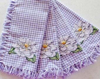 Hand Embroidered Gingham Dinner Napkins White Gardenia