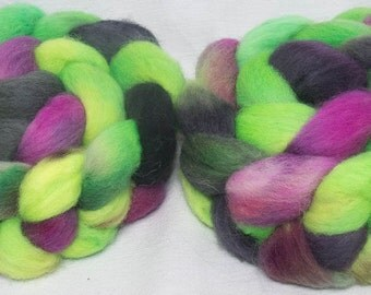 Hand dyed roving,  Kent Romney, British breed wool, hand painted,spinning fibre,  English wool tops, fibre, fiber, 100g, colour; Flounce