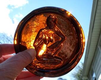 signed amber art glass nude woman vintage paperweight figure kneeling lady Erik Hoglund Boda style