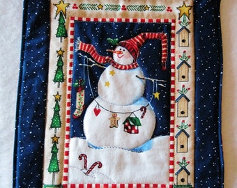 Quilted mini wallhanging mug rug   candle mat  Snowman