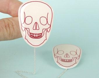 Skull Cardigan Pins red