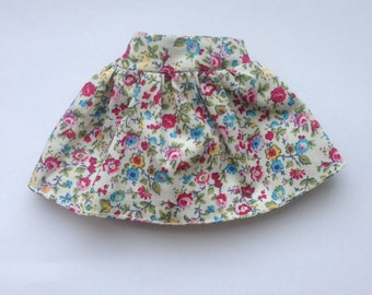 Beautiful short flared mini floral skirt for Blythe doll