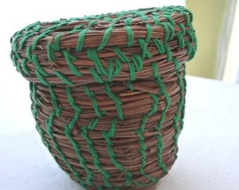 Vintage Pine Basket, Handmade Pine Basket, MOM, Pine Needles, Earthy Art, Storage, Small Basket, Basket and Lid, Vintage Home Decor, Unique