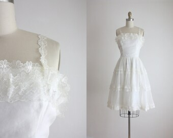 1950s daisy chain dress