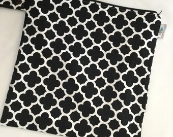 Large Heat Sealed Wet Swim Cloth Diaper Reusable Plastic Bag with SNAP handle - Quatrefoil in Black and White