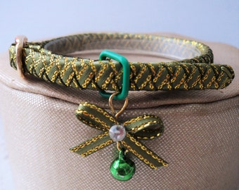 Kitten Collar Green with hints of Gold