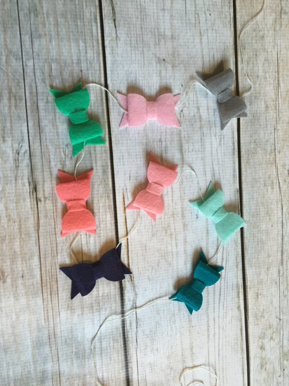 Bella Beauty - felt bow garland