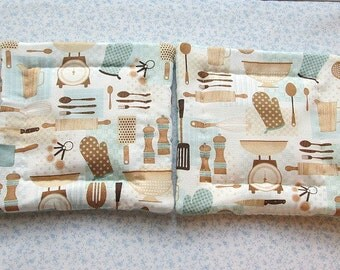 kitchen gadgets hand quilted set of 2 potholders hotpads