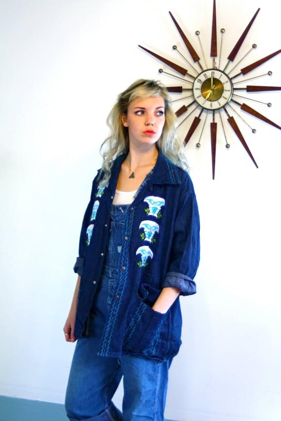 Owl Embroidered Jean Jacket Vintage 70s Print Boho Ladies Dark Denim Long Sleeve Shirt Womens Hippie 1970s Stitched Bird Chambray Light Coat